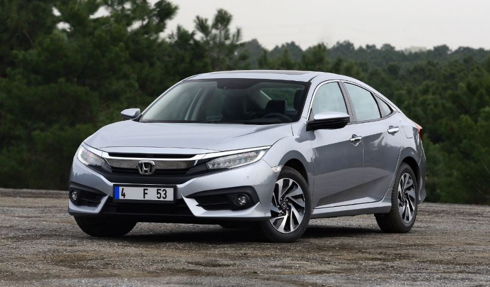 "alt=""Frontal del nuevo Honda Civic sedan"""