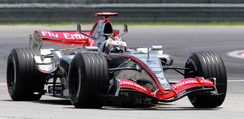 Escuudería Mercedes F1 Kimi Rikonnen