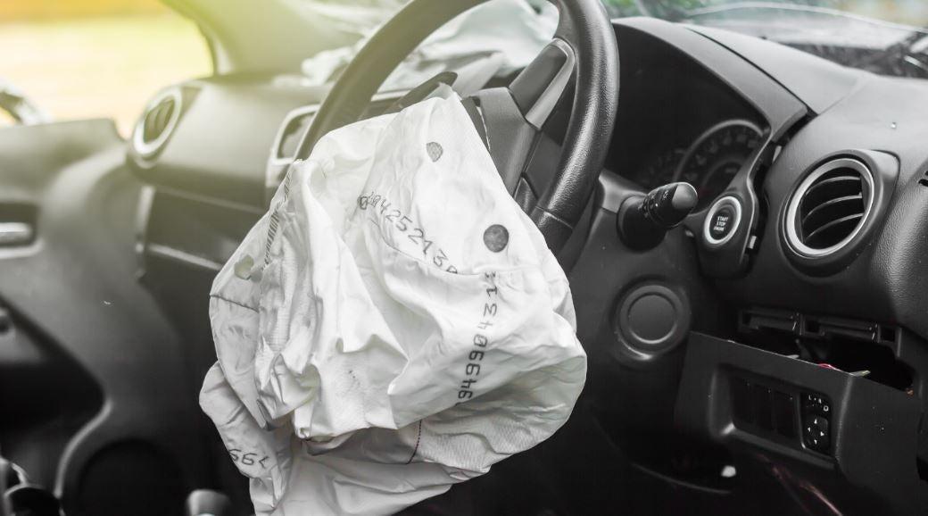 imagen de un Airbag tras entrar en funcionamiento en un accidente