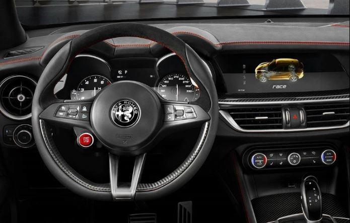 Alfa Romeo Stelvio Quadrifoglio Verde: interior