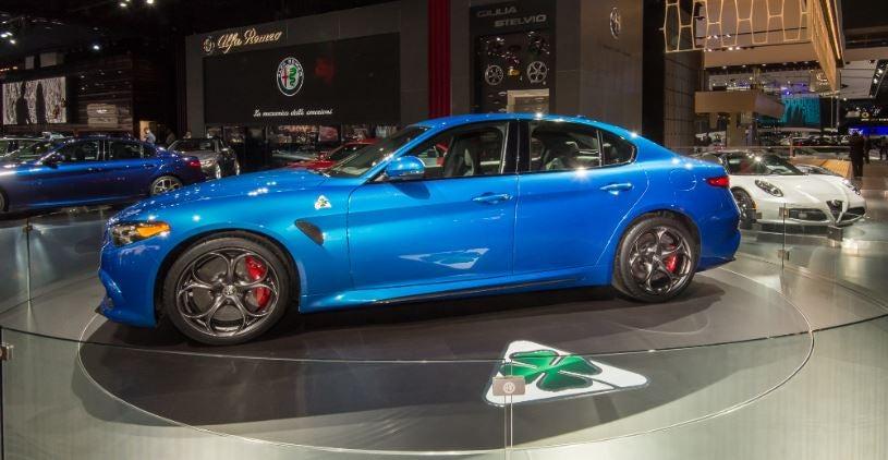 """alt=""""Alfa Romeo Giulia Quatrofoglio verde"""""""