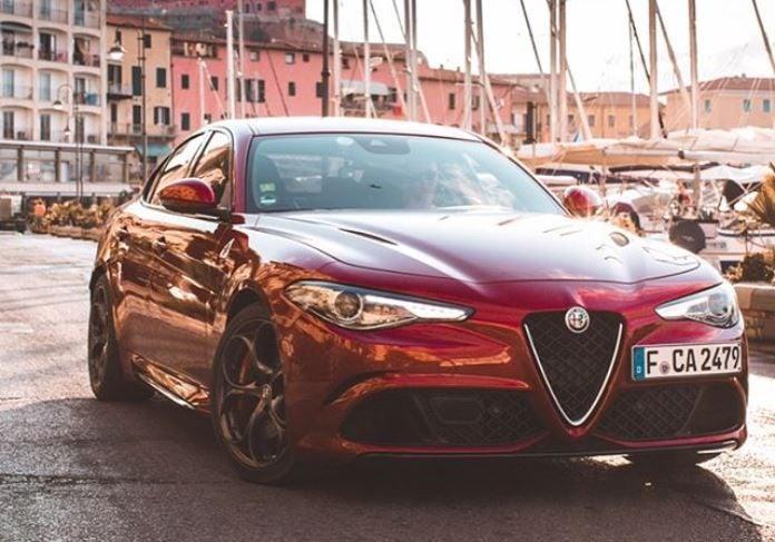Alfa Romeo Giulia define elegancia y potencia