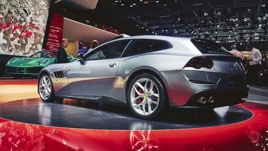 "alt=""Ferrari GTC4Lusso"""