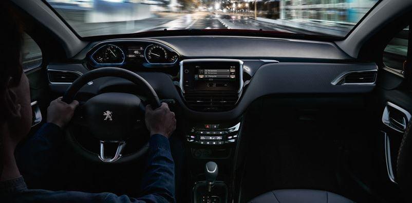 Imagen interior del Peugeot 2008