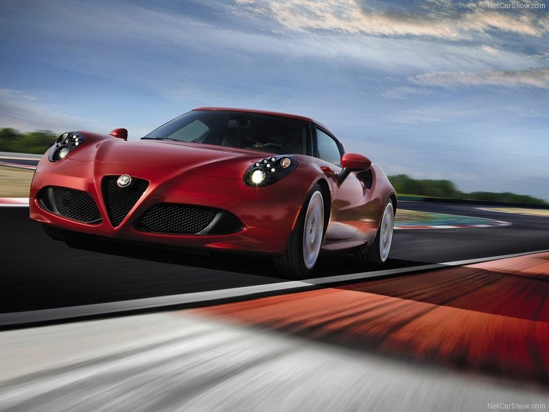 Alfa Romeo 4C, liviano, veloz e italiano