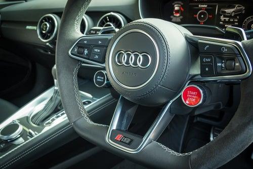Audi TT RS :interior