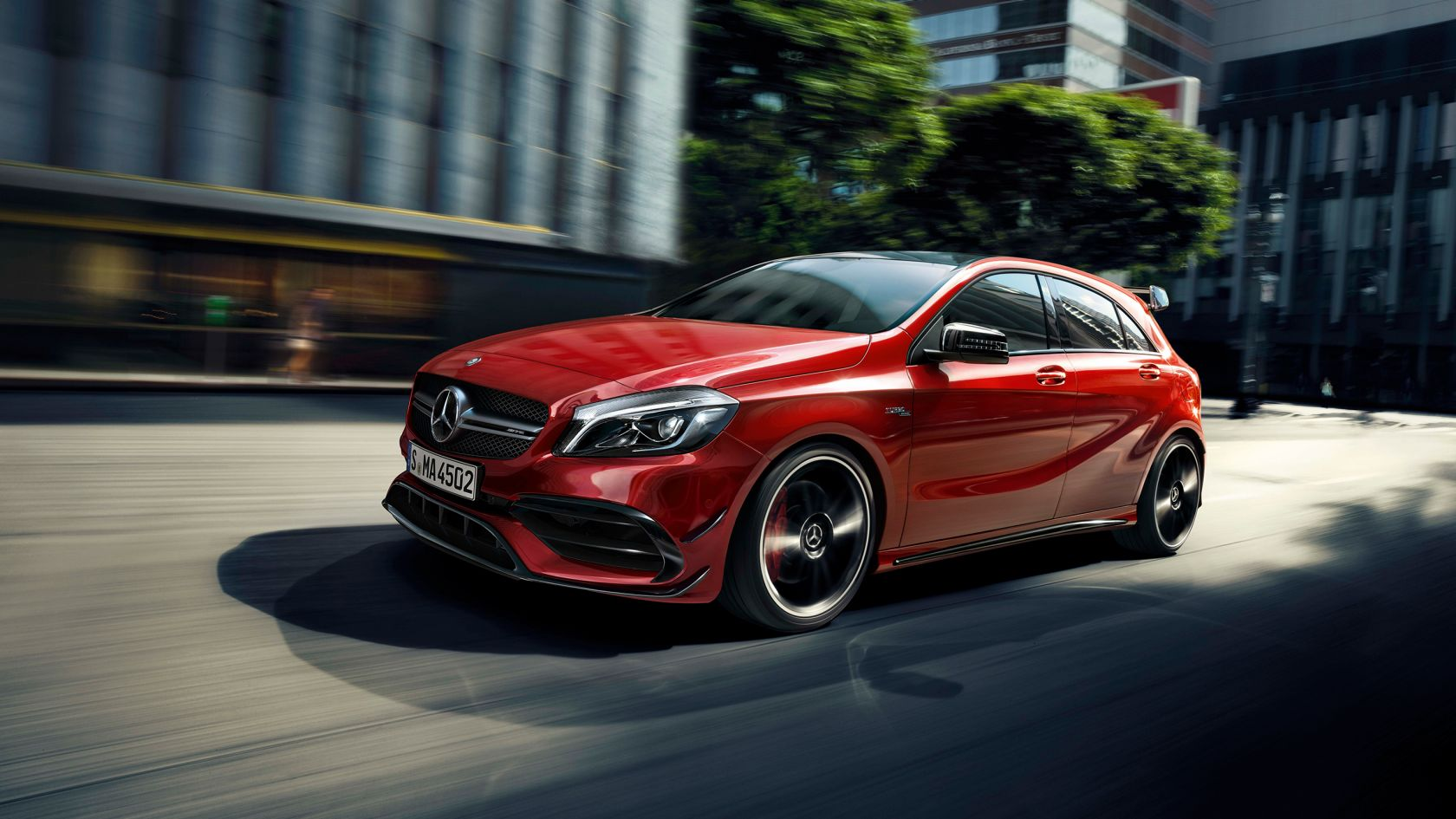 Compacto Mercedes AMG A45: frontal