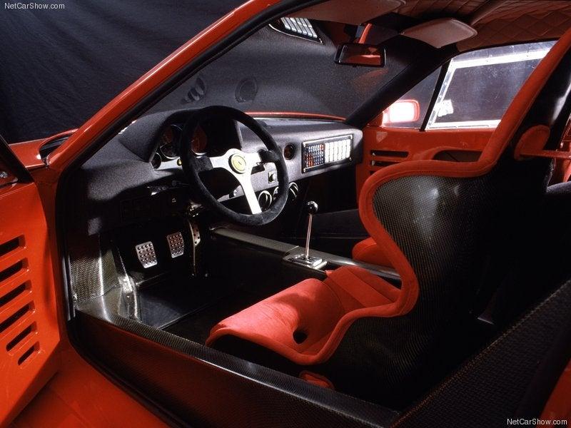 Ferrari F40 1987: interior