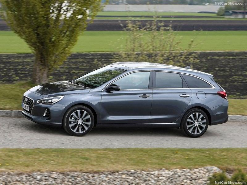 Hyundai i30 CW: lateral