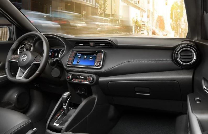 Interior del Nissan Kicks.