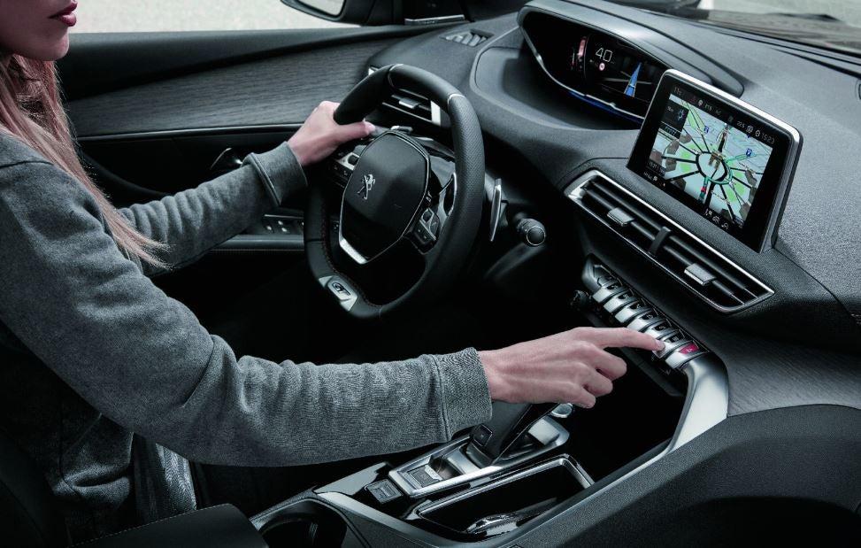 Interior del Peugeot 5008 GT.