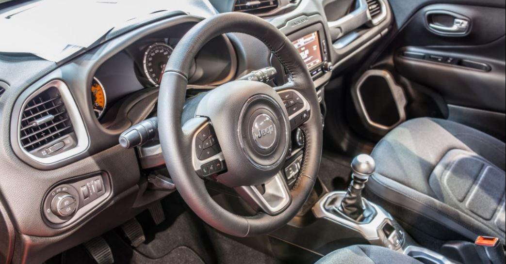 Imagen del interior del Jeep Renegade