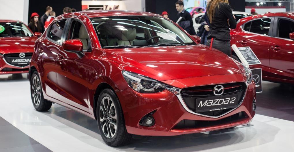 Imagen frontal del morro del nuevo Mazda 2