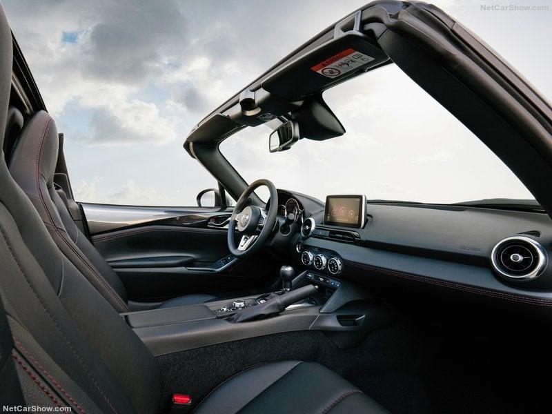 Mazda MX-5 RF: habitáculo