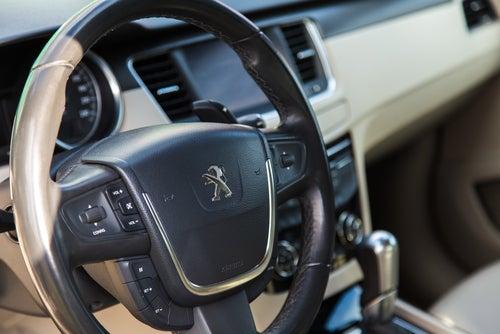 Peugeot 508 4 puertas: interior