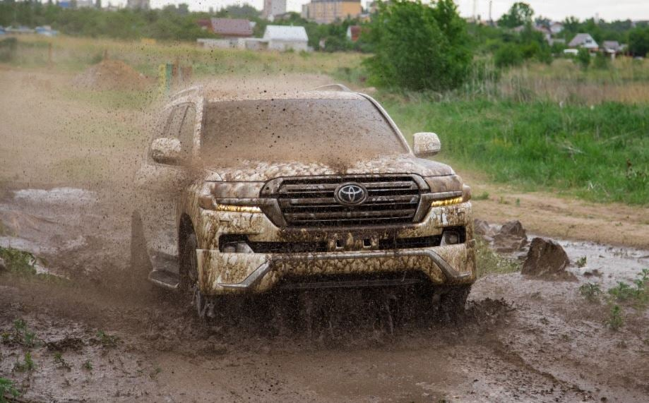 Toyota Land Cruiser: barro