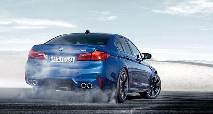 Mejores coches de gama alta, entre ellos, se encuentra el BMW M5.