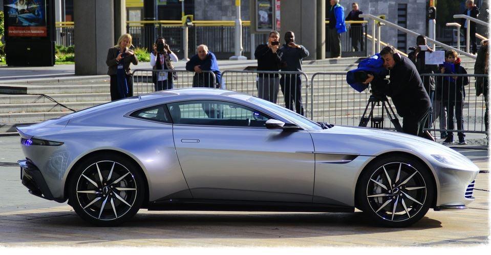 Aston Martin James Bond 007 películas coches