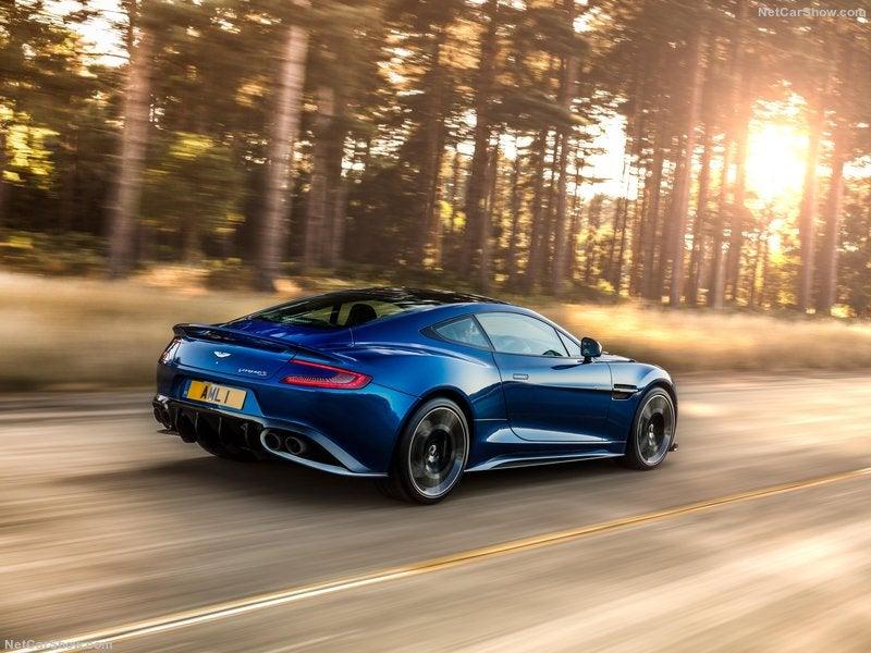 Aston Martin Vanquish S: trasera