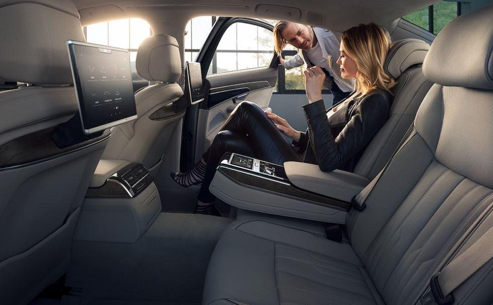 Audi A8 nuevo interior comodidad lujo diseño tecnología