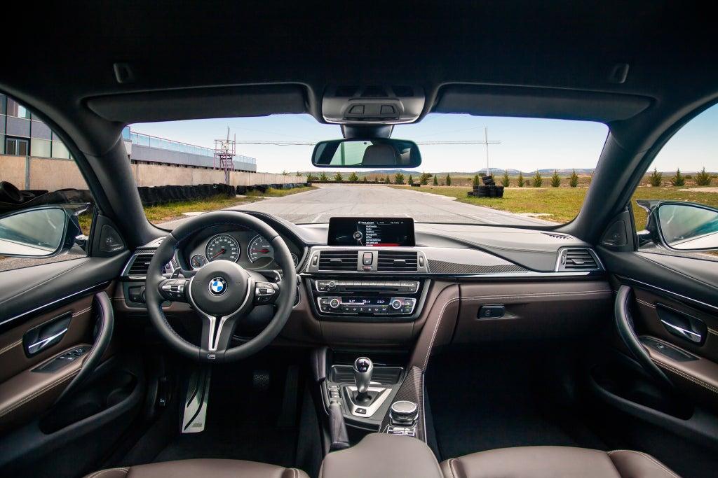 BMW M4: interior