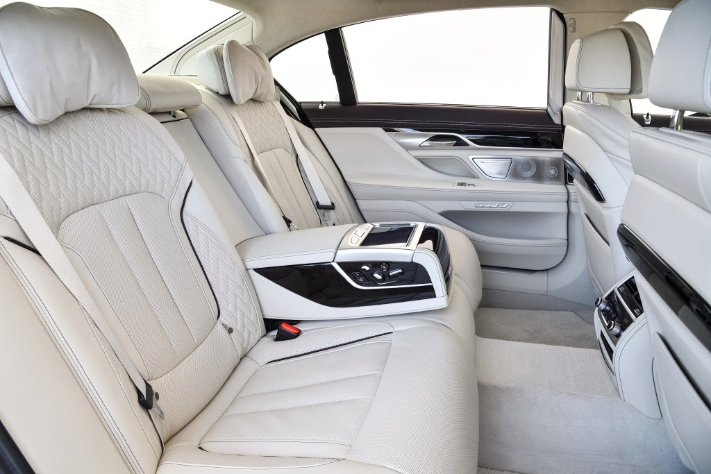 BMW Serie 7: habitáculo