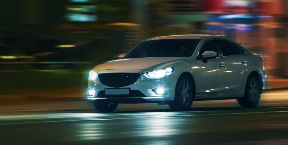 ¿Qué coches tienen los mejores faros adaptativos?