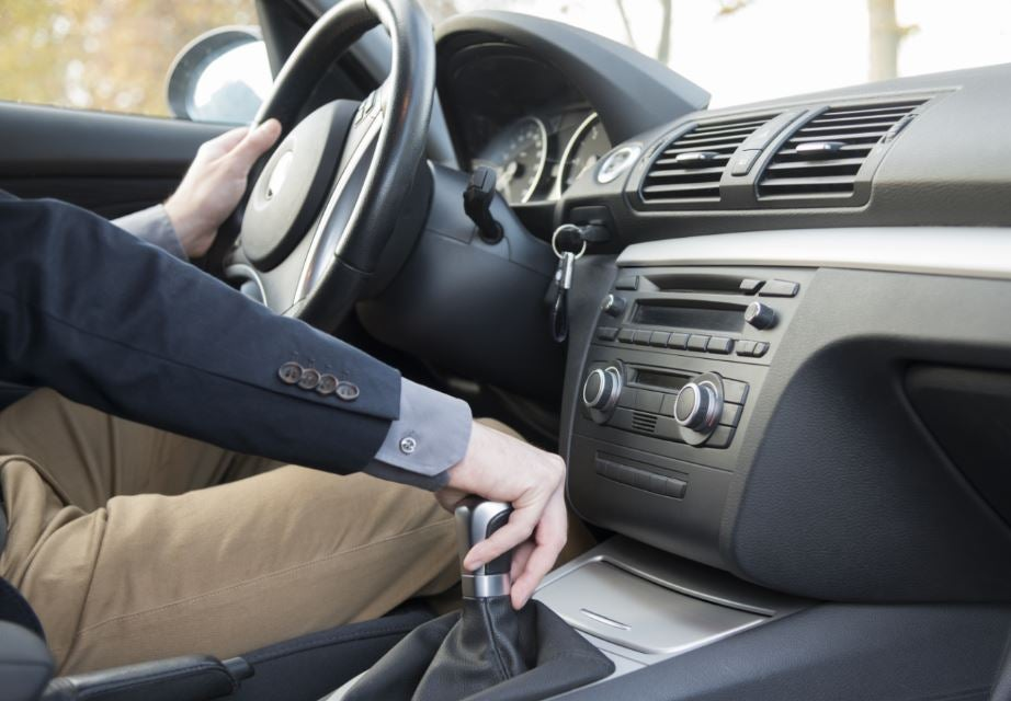 se desgata el embrague consejos averías uso correcto coche