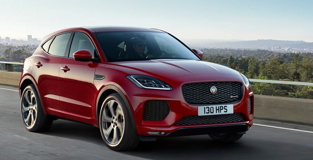 Mejores coches de gama alta, el Jaguar E-Pace.