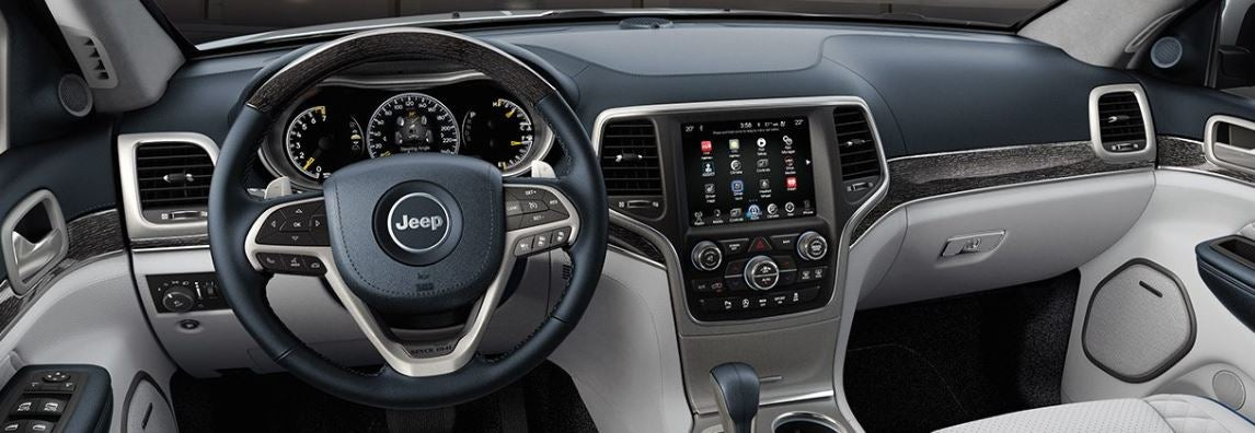 Interior Jeep Grand Cherokee todoterreno