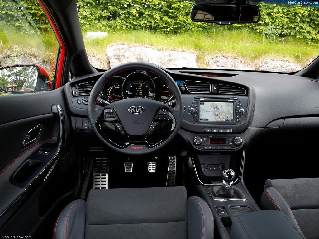 Kia Pro_cee'd GT: interior