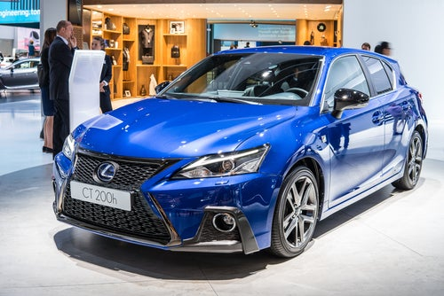 Lexus CT200h 2018: frontal