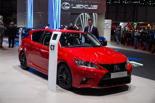 Lexus CT: la sutil renovación del híbrido japonés