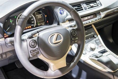 Lexus CT200h 2018: interior