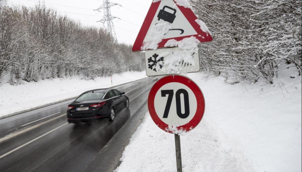Límites de velocidad clima nieve sanciones legislación