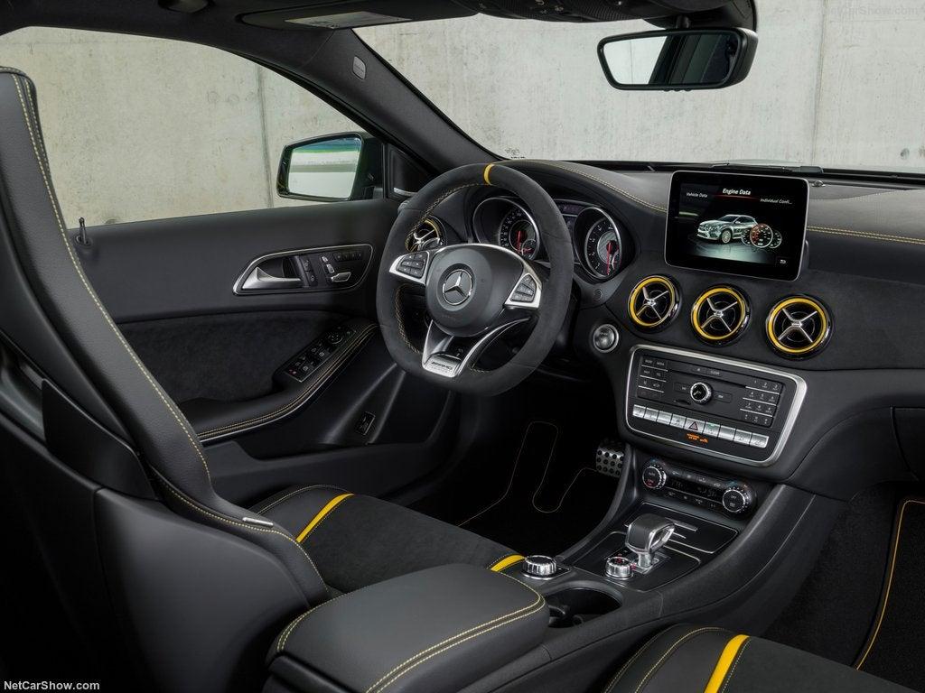 Mercedes-AMG GLA 45: interior