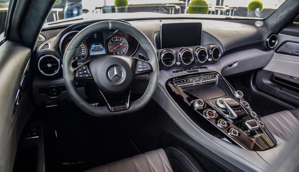 Mercedes-AMG GT deportivo lujo
