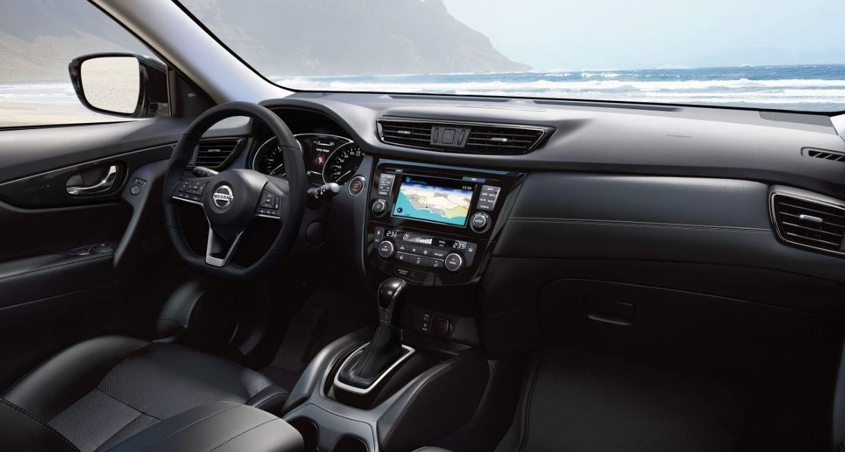 Nissan X-Trail 2018 interior salpicadero detalles precio
