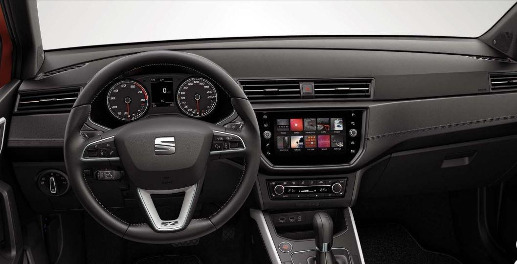 SEAT Arona interior crossover coche