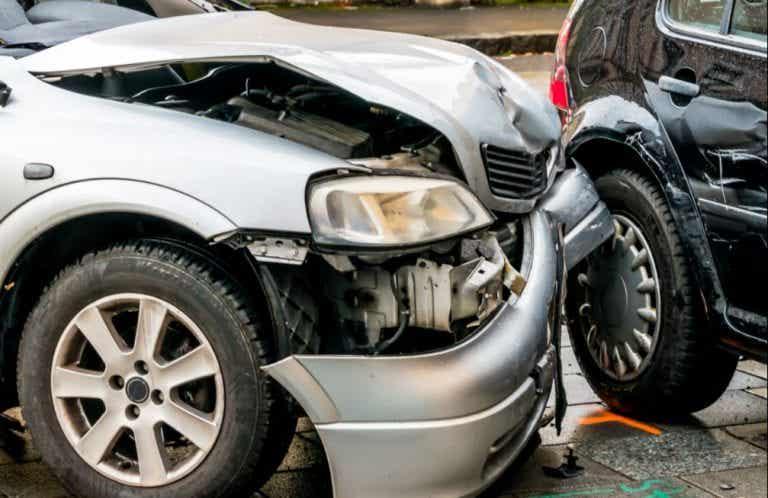¿Cómo actuar en caso de accidente en carretera?