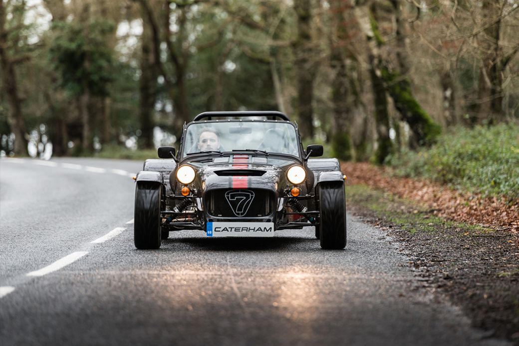 Deportivo Caterham Seven 620S: frontal