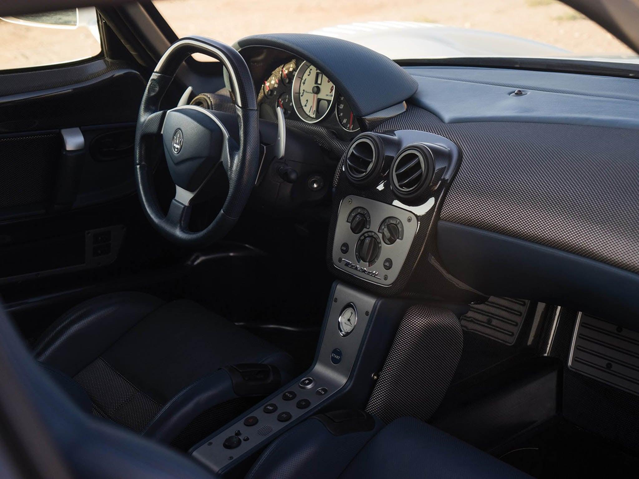 Deportivo Maserati MC12 Stradale: interior