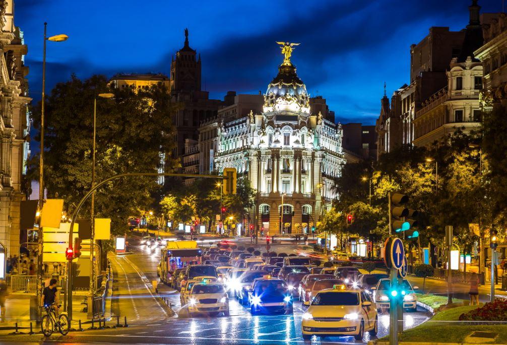 Descubre la edad del parque automovilístico español