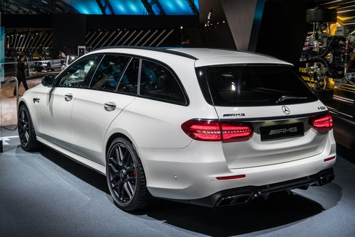 Familiar Mercedes AMG E Estate 2017: trasera