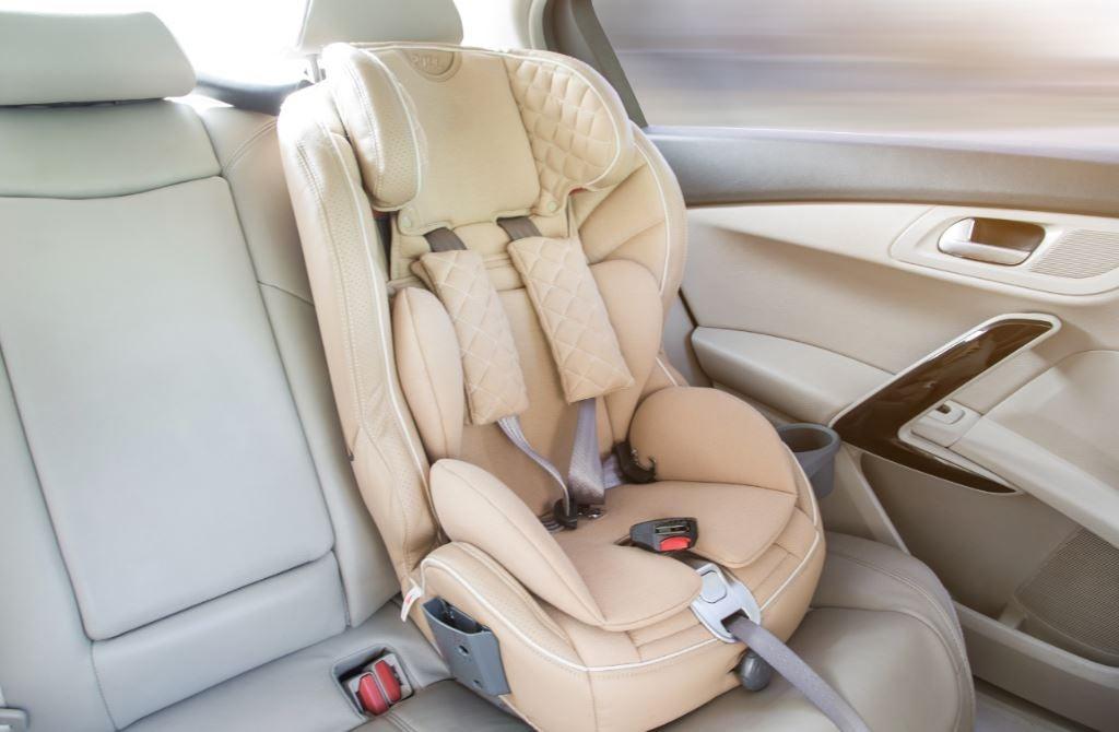 innovaciones en seguridad vial, ciclista, bebe, cinturón de seguridad.