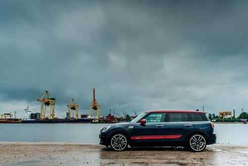 MINI Clubman 2017: lateral