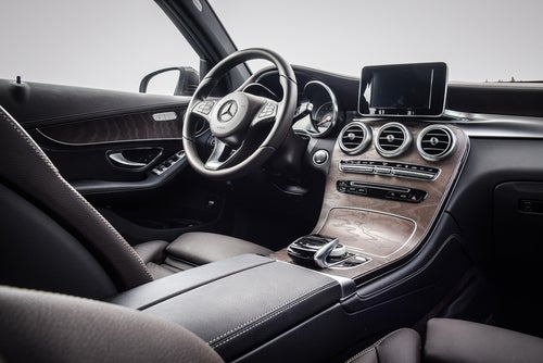 SUV 2017 Mercedes GLC: interior
