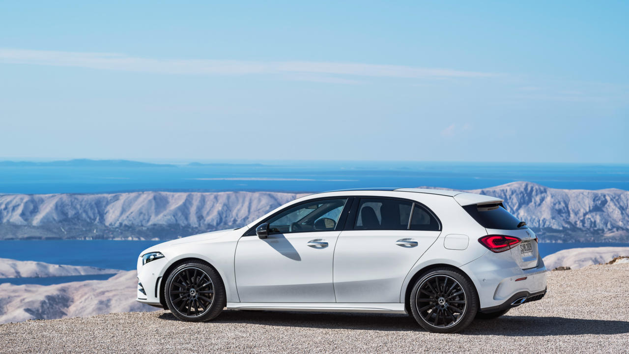 Compacto Mercedes Clase A 2018: lateral