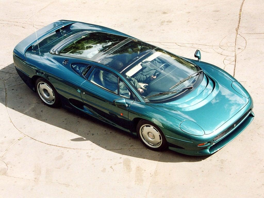 Deportivo Jaguar XJ220 clásico