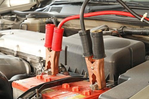 Qué hacer si el coche se queda sin batería